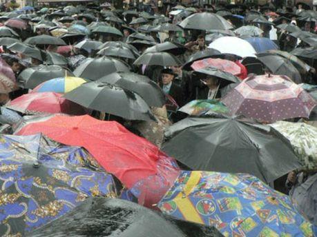 Сьогодні в Україні штормитиме