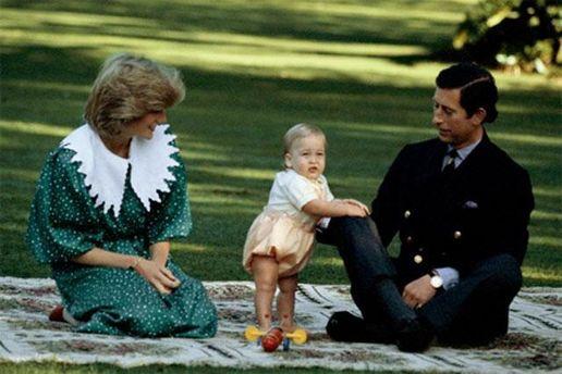 Принцесса Диана и принц Чарльз с маленьким Уильямом