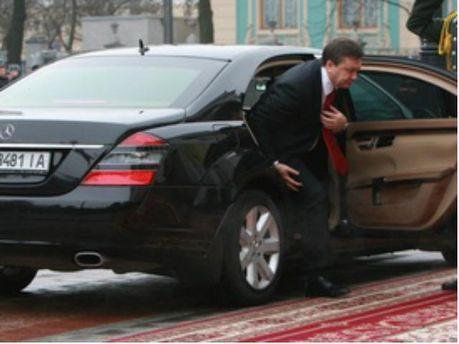Кортеж Януковича едва не попал в аварию (Видео)