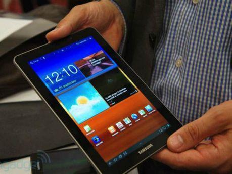 """В столице грабители """"обчистили"""" магазин Samsung за 40 секунд"""