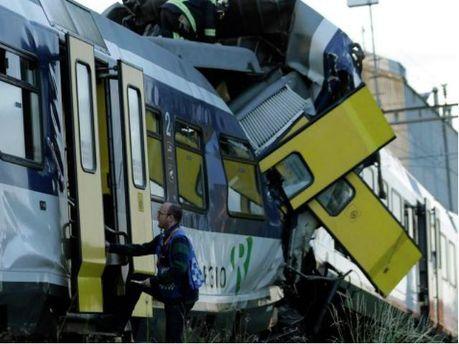 В Швейцарии столкнулись два поезда