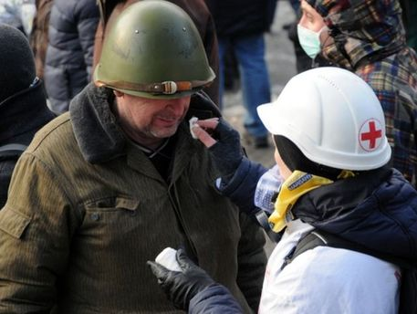 Медицинская помощь на Майдане