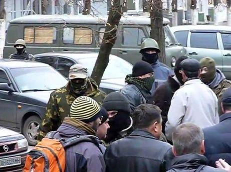 Захват здания милиции в Славянске