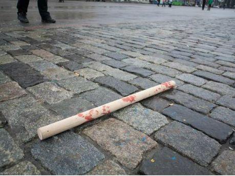 Евромайдановцев жестоко избивали битами