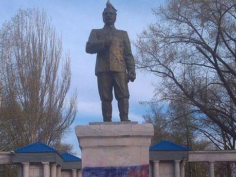 Памятник Сарго Орджоникидзе