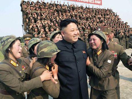Верховный лидер КНДР Ким Чен Ын