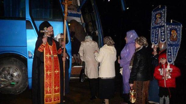Священик, який біля вівтаря співав комуністичну пісню