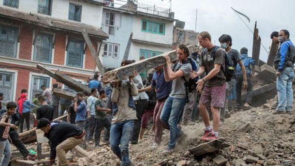 В результате землетрясения в Непале пострадал украинец,— МИД