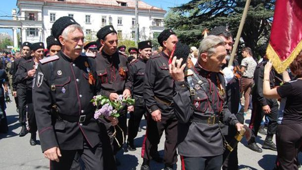 В Крыму прошел парад для прославления казаков, которые помогали отжать Крым