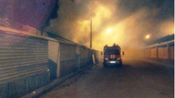 В Киеве произошел пожар на рынке