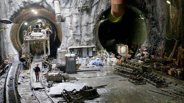 Будівництво метро на Троєщину