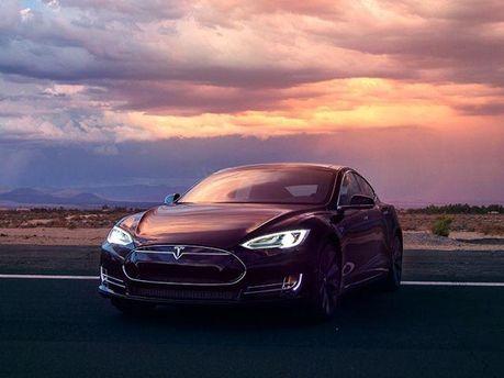 Електромобіль Tesla Motors