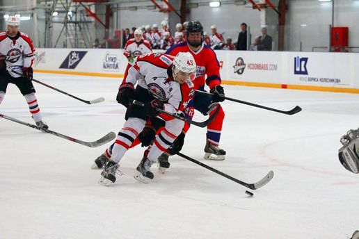 Чемпіонат України з хокею: почалися вирішальні матчі