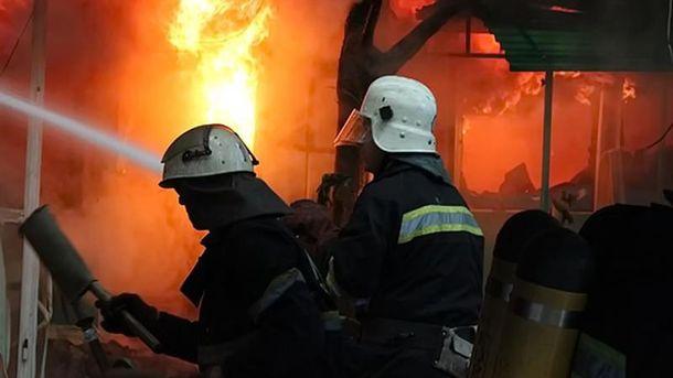 Пожарные (иллюстрация)