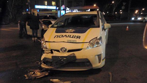 Розбита машина патрульних