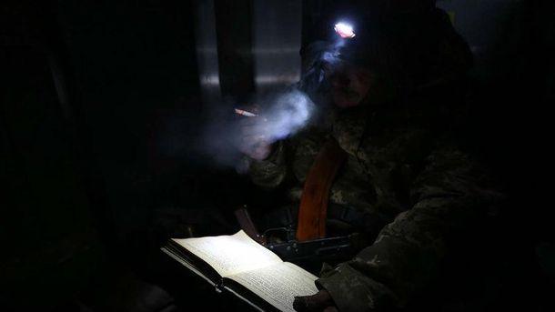 Украинский солдат во время обороны донецкого аэропорта
