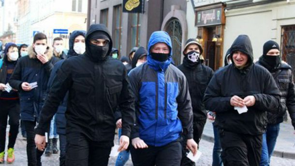 Протестующие во Львове