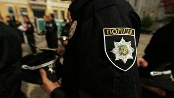 Водитель избил полицейского