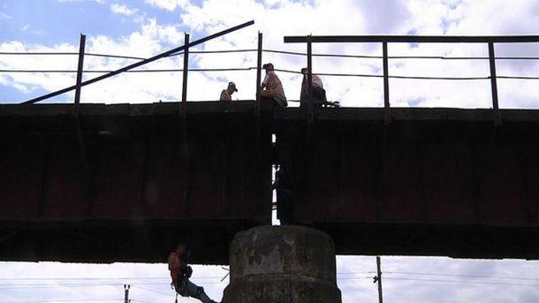 Взорван мост в Запорожье