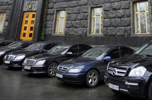 Автомобили депутатов под ВР