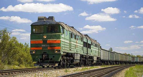 Вантажний потяг