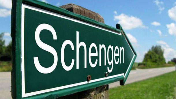 Шенгенская зона на грани распада
