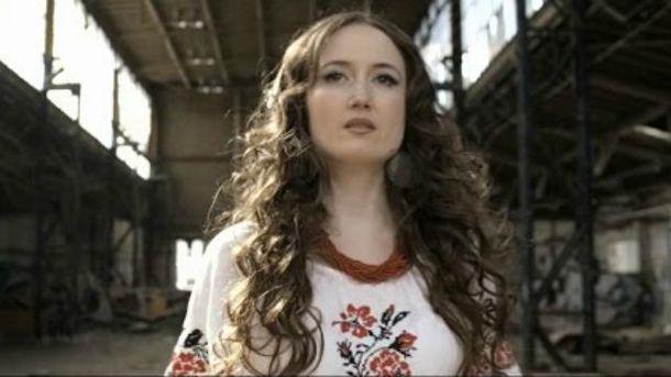 Певица Linà