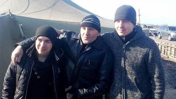 Трех украинских военных освободили из длительного плена