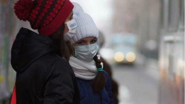 Дети в масках
