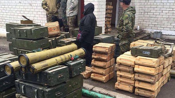 Ящики с боеприпасами