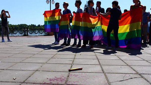 Гундяевский московский патриархат удумал защищать Украину от гей-парадов