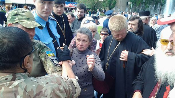 ВМелитополе священник сгеоргиевской лентой спровоцировал драку