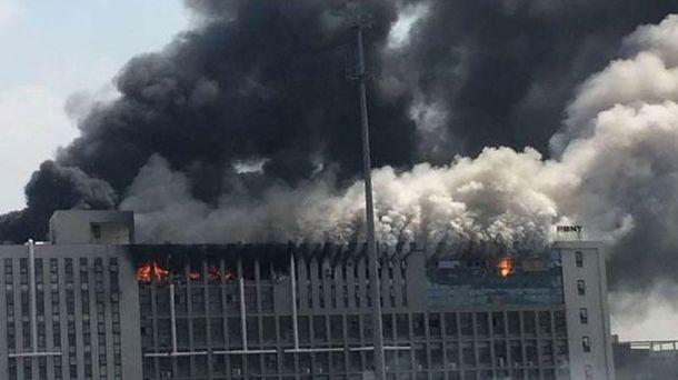 Потужна пожежа на китайській фабриці: є загиблі