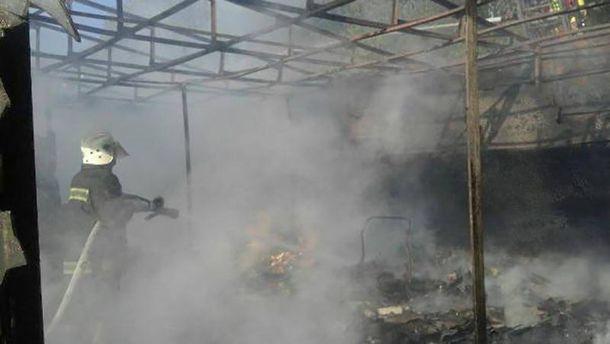 Троєщинський ринок палав у Києві
