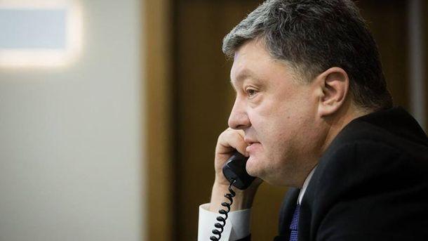 Порошенко ответил Садовому: «Мусор нужно  убирать, ноне  делать нанем политику»