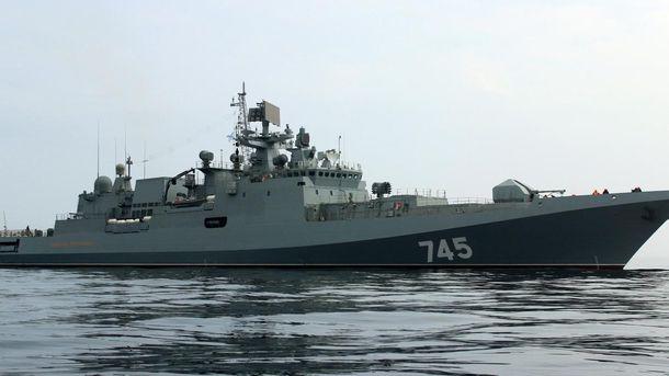Новый конфуз рукожопых кацапов в Крыму: новенький фрегат врезался в причал