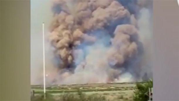 Появилось видео масштабного пожара на военном полигоне в России