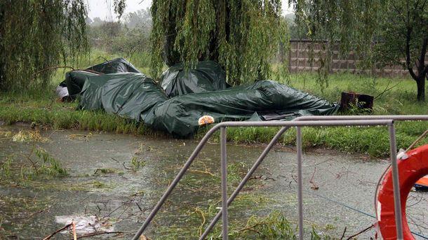 Циклон разрушил палаточный городок вынужденных беженцев— Непогода вСеверодонецке