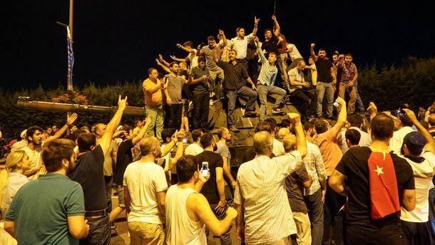 СМИ назвали имя организатора мятежа вТурции