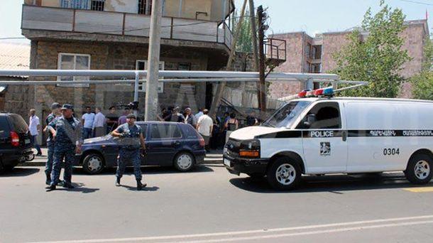 Радикалы отказываются сдаться иосвободить заложников— Мятеж вАрмении