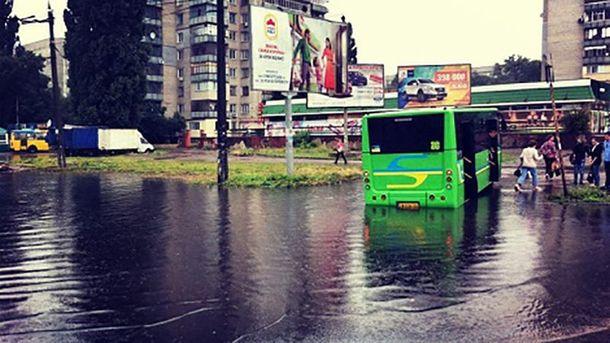 Из-за сильного ливня затопило часть Черкасс
