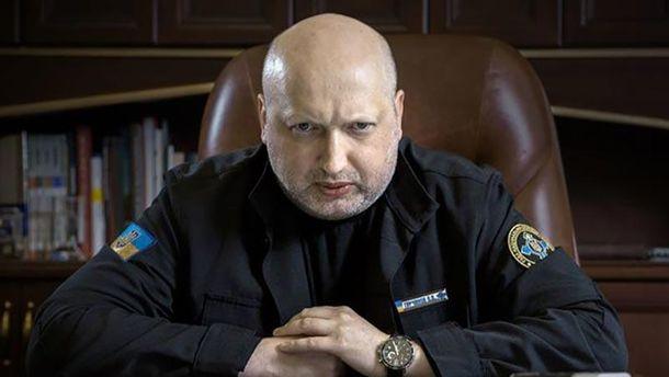 Турчинов поведал, зачем Путин распустил слухи оКрыме