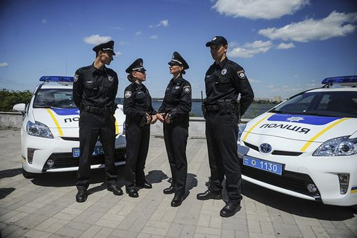 Милиция начинает массовые проверки наукраинских трассах для поиска угнанных авто