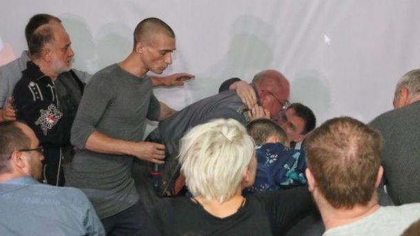 Впроцессе выступления Павленского вУкраинском государстве завязалась драка
