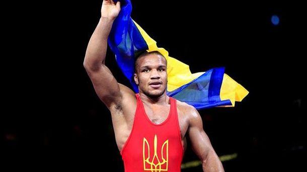 Украинский борец, проигравший россиянину наОлимпиаде, купил себе золотую медаль