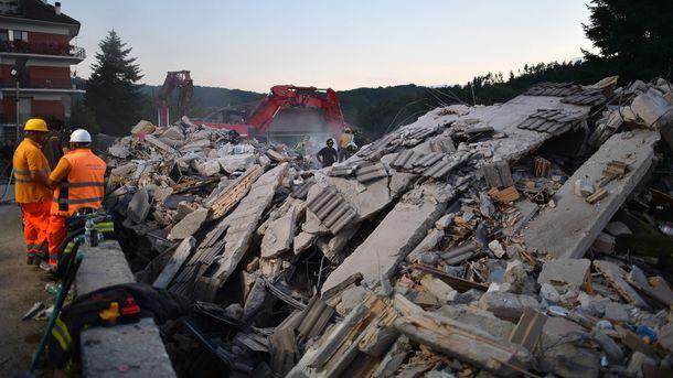 Землетрясение вИталии: впострадавших районах ввели режимЧС