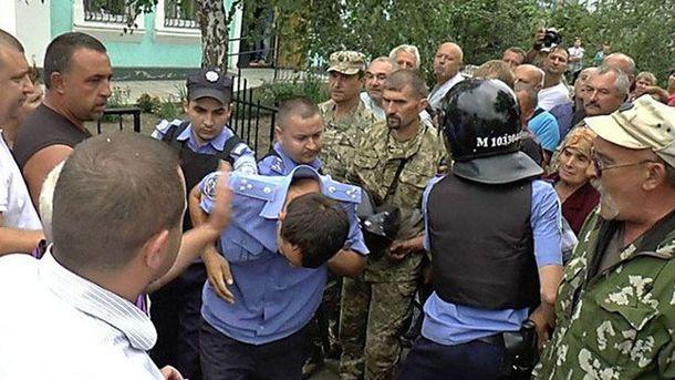 Появилось видео штурма отделения милиции вКривом Озере