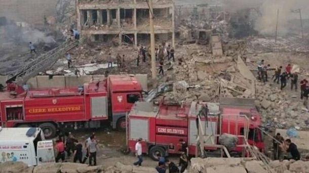 Новый теракт вТурции: 11 полицейских погибли, 78 ранены