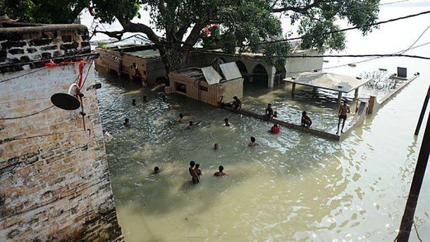 ВИндии наводнение лишило крова 1,4 млн. человек