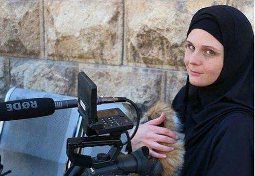 ВТурции задержали американскую журналистку, бравшую интервью утеррористов вСирии